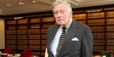Griesa dice que el canje de Argentina es ilegal, pero no declaró el desacato