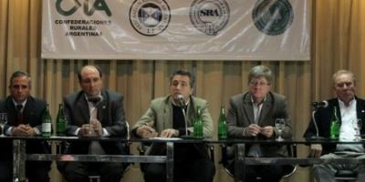 """La Sociedad Rural calificó de """"torpeza"""" la decisión oficial de frenar la exportación de carne"""