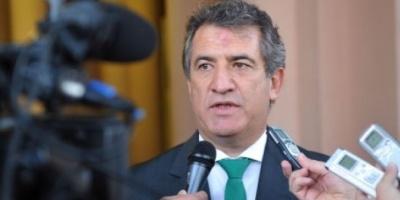 """Para Urribari, la oposición que rechazó proyecto de pago a bonistas es """"amarreta y especuladora"""""""