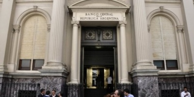 Efecto recesión: se cerraron 311.000 cuentas sueldo en tres meses