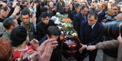 Pepe Mujica, presente en el multitudinario adiós a China Zorrilla