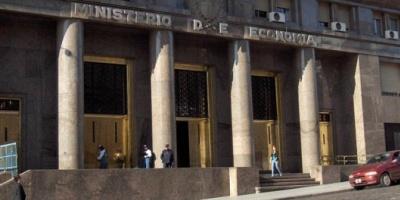 El Ministerio de Economía emitió bonos atados a la evolución de dólar por U$S 983 millones