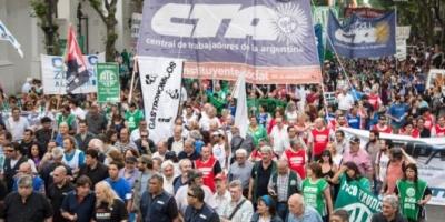 La CTA opositora se movilizó a la Plaza de Mayo en reclamo de un bono de fin de año de 4 mil pesos