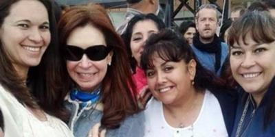 La Presidente reapareció en El Calafate y se sacó fotos con militantes