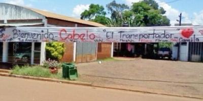 """Misiones: hijo del ex intendente que se fugó a Brasil fue liberado y recibido como """"héroe"""" en su casa"""