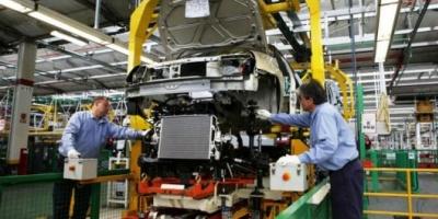 Datos del Indec: la industria cayó 1,8% en octubre y acumula 15 meses de retroceso