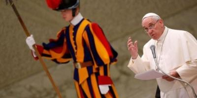 """En un duro discurso, Francisco acusó a la Curia de sufrir """"Alzheimer espiritual"""""""