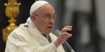 Francisco pidió que se termine con las hostilidades en Ucrania y llamó a reanudar el diálogo