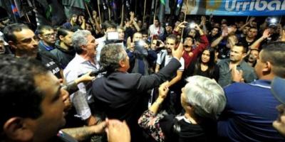 Urribarri suma apoyo sindical a su precandidatura a presidente