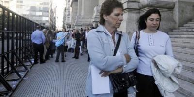 La madre del fiscal Nisman encabezó un acto para entregar un petitorio a la Corte Suprema