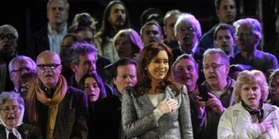 """Cristina: """"No tengan miedo por lo que va a pasar, ustedes son los verdaderos dueños de su destino"""""""