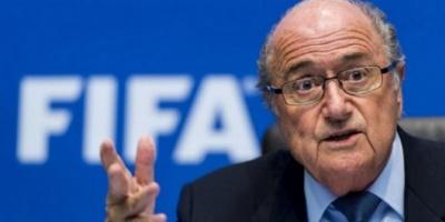 """Blatter se desligó del escándalo en la FIFA y prometió """"erradicar"""" el delito del fútbol"""