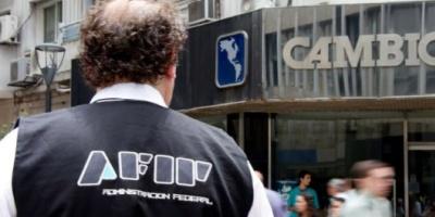 AFIP intimó por inconsistencias a 75 mil contribuyentes que compraron dólar ahorro