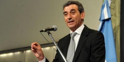 """Randazzo dijo que Scioli """"tiene doble discurso"""" y que su asesor Bein quiere """"pagarle a los fondos buitre"""""""