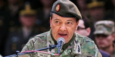 """Milani se quebró en su despedida y dijo que buscó """"recomponer la esencia y tradición del Ejército"""""""