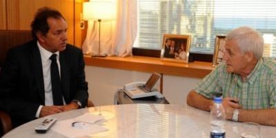 Daniel Scioli le prometió a la UOCRA y a la UOM modificar el impuesto a las Ganancias