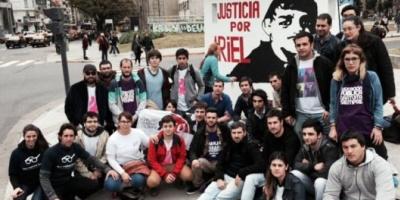 Homenajearon al militante radical asesinado en Jujuy con un mural en la Plaza Houssay