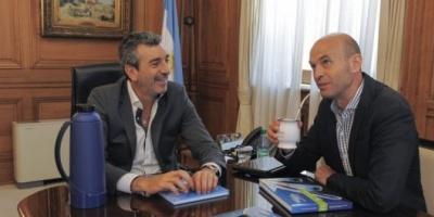 Transición: Randazzo y Dietrich tomaron mates en una reunión cordial