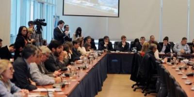 Diputados: el oficialismo no cede a la presión y se tensa el pulso por la ley de cepo laboral