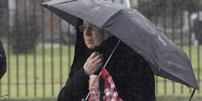 La hermana Inés, en Tribunales y bajo la lluvia: ya tiene defensora oficial