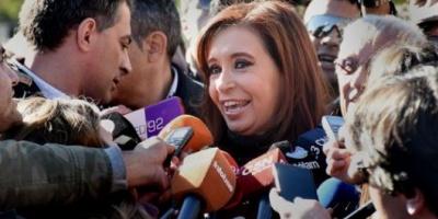 Cristina Elisabet Kirchner vuelve a Buenos Aires y asistirá a un homenaje a Hugo Chávez