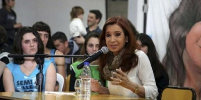 Piden una nueva indagatoria de Cristina Kirchner y que se le prohíba salir del país