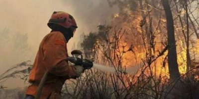 El viento complica la lucha contra el incendio en San Luis y ya son 10 mil las hectáreas afectadas