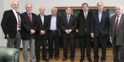 """El Gobierno conformó un """"consejo de notables"""" para asistir al ministro de Energía"""
