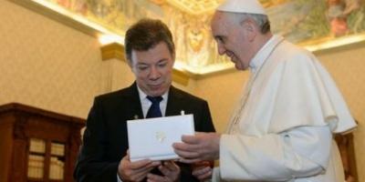 El Papa celebró el acuerdo de paz entre el gobierno colombiano y las FARC