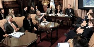 En el Senado, Grecco llamó a evitar favoritismos políticos con la ley que regule la publicidad oficial