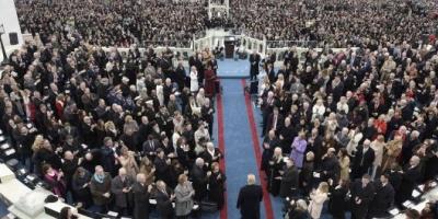 Trump juró ante el Capitolio y asumió como el presidente 45º de los Estados Unidos