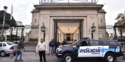 Megaoperativo de la Policía, la AFIP y Gendarmería: Allanan el Hipódromo y el Casino flotante por evasión impositiva