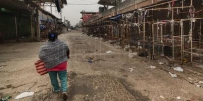 Los vendedores callejeros de La Salada, entre la cautela y la expectativa de reubicar sus puestos