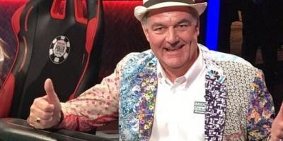 Un jubilado le pidió permiso a su esposa para anotarse en un torneo de póker, ya ganó USD 1 millón