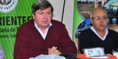 """El intendente de 9 de Julio Alejandro Mazzuchini  entregó a los habitantes de 9 de Julio la """"Tarjeta"""