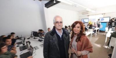 Cristina visitó centro de cómputos de Unidad Ciudadana en el Instituto Patria y destacó el rol de los jóvenes