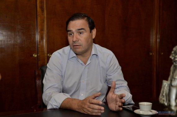 Impacto corrientes com el gobernador electo analiza for Ley de ministerios