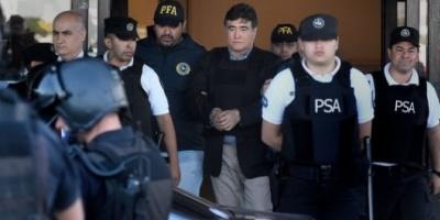 """Carta de puño y letra de Carlos Zannini a Cristina Kirchner desde la cárcel: """"Por mi prisión, ni te preocupes, estoy bien&qu"""