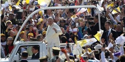 """Ante una multitud, Francisco pidió en Santiago trabajar """"por la reconciliación"""""""