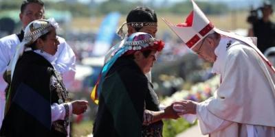"""Francisco les pidió a los mapuches que le digan """"no a la violencia"""""""