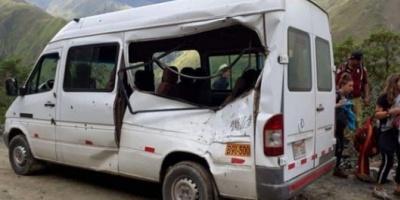Una turista argentina murió en Perú cuando una roca impactó en la camioneta que la trasladaba
