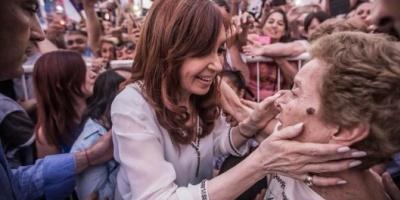 Cristina Kirchner propone un bono compensatorio para jubilados