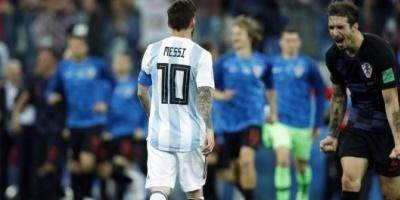 Argentina sufrió una humillante derrota y quedó al borde de la eliminación del Mundial