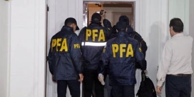 El juez Claudio Bonadio ordenó un allanamiento en el edificio en el que vive Cristina Kirchner