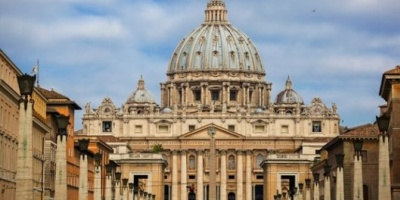 """El Vaticano expresó """"vergüenza y dolor"""" por el caso de los 300 curas pederastas en EEUU"""