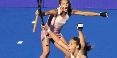 """""""Las Leoncitas"""" cumplieron los pronósticos y se quedaron con la medalla de oro en hockey femenino"""