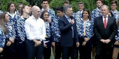 Macri felicitó a los deportistas argentinos por los valores que transmitieron al mundo