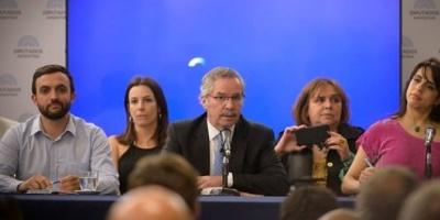 Felipe Solá se acerca al kirchnerismo: abandona el bloque del Frente Renovador en la Cámara de Diputados