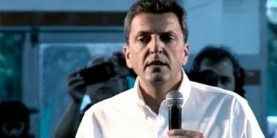 """Massa presenta con fuertes criticas a Macri el informe """"El fracaso de los 3 años del gobierno"""""""