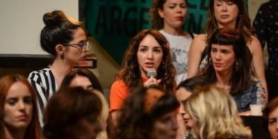 """Actrices denunciaron a Juan Darthés por violar a una compañera de elenco de 16 años durante una gira de """"Patito feo"""""""